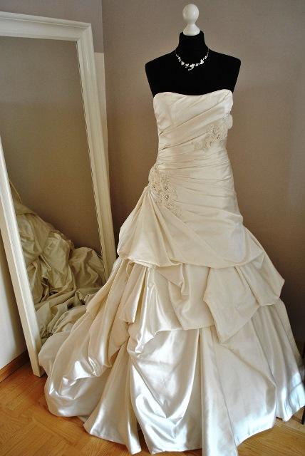 Brautkleid hannover leihen – Beliebte Hochzeitstraditionen 2018