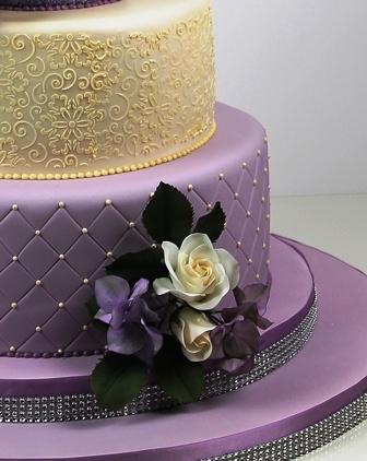 Lila Fliederfarbene Tortenkunst Lila Goldene Highlight Hochzeitstorte