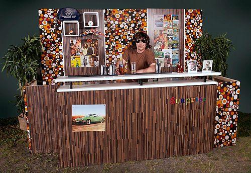 themen cocktailbars themenbar die wilden 70er. Black Bedroom Furniture Sets. Home Design Ideas