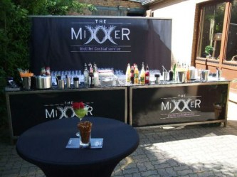 outdoor-bar