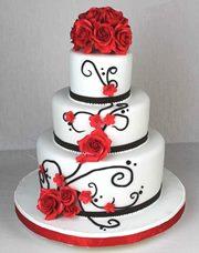 Schwarze Schokobraune Tortenkunst Ornamenten Torte Mit Roten Rosen