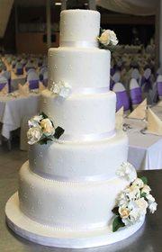 Weisse Cremeweisse Tortenkunst Gradlinige Elegante Grosse Torte