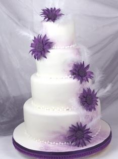 Lila Fliederfarbene Tortenkunst Torte Mit Fantasiebluten Und