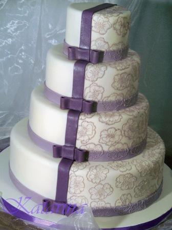 Lila Fliederfarbene Tortenkunst Torte Mit Lila Banderolen Und